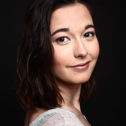 Naima Sjöholm - Headshot